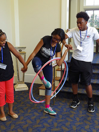 Team Building Hula Hoop Pass 2